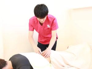 鍼施術の写真